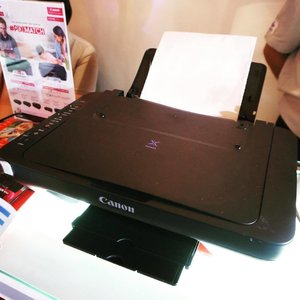 Since Robyn will be entering big school soon, I know I'll be using the new @canonphils E470 a lot! It can print, scan and photocopy. Best feature? It's wifi capable so I can print directly from my phone or tablet. 📱💻 Excited to start using it! 🖨 #pixmommy #PixMom #mommyblogger #momblogger #yellowmum #mommybloggerph #mombloggerph #yellowyum #msyellowyum #lifestyle #lifestyleblogger #blogger #manilablogger #lifestylebloggerph #youtube #youtuber #youtuberph #clozette #vlogger #vloggerph #pinayvlogger #bloggerph