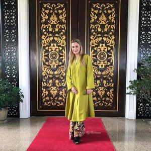 #OutfitOfTheDay Wearing a long #kebarung for a family trip to #Melaka #Malaysia • •  #TeamRayaMelaka #ootd #MyRomana #clozette