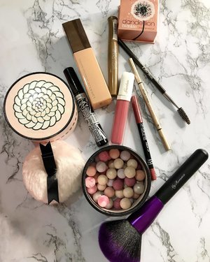 Today's quick and easy #makeup picks for a natural glowy look.  I experimented & used a little bit of my Guerlain liquid lipstick as a blusher.  #MyRomana #motd #fotd #clozette