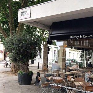 Good morning from #lepainquotidien #london 🇬🇧 • • #fromwhereistand #breakfast #cafe #thisislondon #londonlife #MyRomana #MyRomanaLondon #lifestyle #travel #clozette