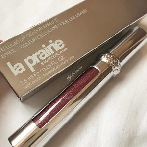 @laprairie lip gloss for this cold winter day . . .  #laprairie #MyRomana #MyRomanaWinter2016 #clozette #makeupjunkie #makeup #beauty