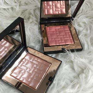 @bobbibrown Telluride and Sunset Glow Highlighting Powder. . . .  #beautiful #makeup #bobbibrownsunsetglow #bobbibrowntelluride #beauty #MyRomana #clozette #bobbibrownmalaysia
