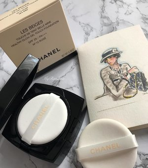 """My highly anticipated haul @chanelofficial #LesBeiges Gel Touch Foundation  I mistakenly thought it was going to be a regular cushion foundation like others in my collection. However upon seeing and trying it on yesterday I was pleasantly surprised. The makeup puff/pad alone feels oh-so-luxe.👌🏻 Btw it is washable and you are advised to wash it after every 2 uses. Packaging wise:- Take note that once opened I wouldn't recommend travelling with it(either air travel or even your daily makeup bag). It has a tendency to leak and you are advised to make sure it stays flat to avoid the risk of spillage. So this will stay at home on my vanity table. Texture:- It is gel-like & quite liquidy unlike my other """"cushions"""". Not a bad thing cos I actually love this. Coverage:- To me it is sheer to medium. Suitable also as a touch up over your foundation. It says that it is a refillable compact but when I asked, I was told there aren't any refills for sale(but another Chanel counter told me the refill stocks have yet to arrive). So this is confusing. Do I like this Les Beige cushion? Well, if you're familiar with the Les Beiges line, you'd know the familiar scent. Tbh I don't like the scent. But since I do like the way this foundation felt & looked on me(i showed this on #snapchat), I bought it anyway. • • Not many shades available for now(at least), just 6. • • #MyRomana #clozette #chanel #chanellesbeiges"""