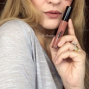 Another day, another liquid lipstick. @polkacosmetics Mandolin A gorgeous nude brown that doesn't wash me out 👌🏻 @polkacosmetics_my Swatches and comparisons on my #snapchat #beautysnapchat . . . .  #makeup #beauty #polkabeauty #liplacquer #liquidlipstick #MyRomana #clozette #makeupjunkie #makeupaddict #instamakeup