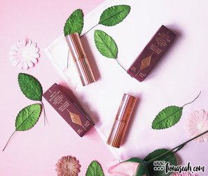 BLOGGED! There has been lotsa buzz around these Charlotte Tilbury lipsticks. But really, are they worth the 💲💲? This is my first luxury makeup review 😏 don't worry, my taste hasn't become expensive. I still like my low to mid-end makeup lol. Will place the direct link on my bio.Be sure to check out @officialblushboss for more products like theseb#beauty#makeup#sgbeauty #sgmakeup#instabeauty#instamakeup #beautygram#beautyblogger#makeupmess #bblogger#beautybloggers#igmakeup #trendmood #allthingsmakeup#sgig#sgigmakeup #clozette #igbeauty #makeupjunkie #sephorasg#lipstick#flatlay #charlottetilbury #ctilburymakeup