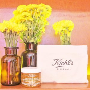 Excited for the newest product from one of my favorite skincare brands, @kiehlsphilippines Calendula & Aloe Soothing Hydration Masque! I've already added it to my skincare routine and started testing last night! Super refreshing! Bagay sa lifestyle kong workaholic, stressed, and lack of sleep. Best for all skin types! More on gen-zel.com soon 😘 #KiehlsPH #PeaceLoveCalendula #clozette #shesingsbeauty