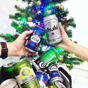It's the start of December, and I'll cheers to that! 🍻✨ And not just the season where dreams come true, it's also the time where @carlsbergsg is offering your the chance of bottoms up and earn $20,000 in 4 hours! 💸💸💸😱 Think you're the ONE for probably the BEST job in the world? Then hurry and sign up at http://www.probablythebest.com.sg!  Registration ends today, 4 December, Cheers! #Clozette #carlsberg #christmas2016 #bottomsup #kronenburg #asahibeer #somersby #celebrationtime #raiseatoast #drinkingtime #igsg #instagramsg #sgcontest #happyhour #bottomsup #sgbloggers #instagramsg #Bestjobintheworld #Bestbeerintheworld