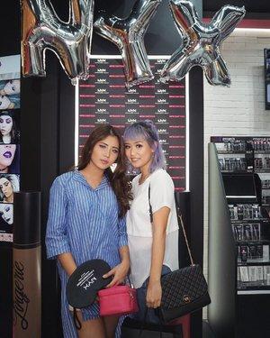 Late post - Opening @nyxcosmetics_indonesia store at Senayan City with this cute purple girl @cclaracr 💋💋💋 . #NYXcosmeticsID_sency #NYXcosmeticsID #nyxcosmeticsindonesia #ivgbeauty #beautyjunkie #beautyjunkies #indobeautygram #indovidgram #beautyenthusiast #makeup #fotd #motd #eotd #instamakeup #makeuptutorial #beautyblogger #makeupaddict #beautynesiamember #makeupjunkie #makeupjunkies #beautyvlogger #beautybloggerindonesia #wakeupandmakeup #undiscovered_muas #featuremuas #clozette #clozetteid