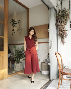 Thank you @la.peony for this gorgeous jumpsuit💖💖 . Anyway just wanna share, @nadiasnibbles recommended @guttenmorgencoffeelab (a hidden gem at Tomang, she said) and I am so addicted to this place now. Very cozy, love the coffee, really nice barista, and oh! most importantly the music😍😍😍 definetely gonna come back here again and again👍👍👍 . 📸 SONY A6000 by @feliciawintery . #endorsement #endorseindo #endorsementid #endorse #endorsebaju #ivgbeauty #indobeautygram #beautynesiamember #clozette #clozetteid #beautyjunkie #beautyjunkies #beauty #makeup #makeupartist #mua #makeuptutorial #beautyenthusiast #makeupjunkie #makeupjunkies #beautyvlogger #instamakeupartist #makeupporn #makeuppower #beautyaddict #beautyartist #indobeautyvlogger #ootd #ootdindo