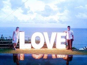 ❣ L O V E ❣  Me & You 💕 ----------- Happy Wedding Marcello & Liyenita 🎊 ----------- #ladies_journal #clozette #clozetteid #couple #love #summer #wedding #uluwatu #bali #indonesia #holiday #travel #instacool #instamood #instatraveling #instasky @itaaliyen