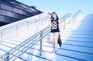 I obviously miss my coloured hair so much 🙈 📸: @ena_teo ---- #ladies_journal #lookbook #ootd #fashion #clozette #clozetteid
