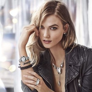 "@Swarovski, a brand known for its brilliance and glamour, welcomes model @KarlieKloss as their new ambassador for their ""Be Brilliant"" campaign — helping women to light up the world and feel irresistible in any occasion.  Read ""Karlie Kloss Shines As Swarovski's New Ambassador"" on www.clozette.co/insider (or click the link in our bio)!"
