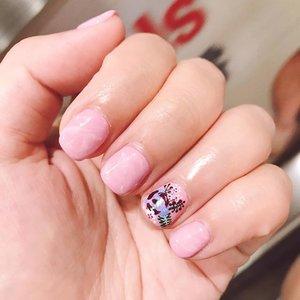 Hello to my new set of nails.  Pink quartz x embroidery  #clozette #clozetteid #beauty #beautyblog #igbeauty #bblogger #bbloggers #blogger #instablogger #instablog #beautyaddict #cosmetics #clozettedaily #valenenails #nail #manicure #pinkmarble #nails #nailart #nailsofinstagram #gelnails