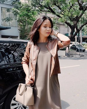 Earth tones 🌏✨ Outfit earlier at #WatsonsPH #SwitchAndSave Event 🌸 Tap for details! 📸: @cameyflores #ootd #clozette