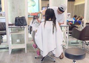 #BlogUpdates  Coloring or cutting di irwan team salon ? Hmmm 🤔 . . . Cc: @clozetteid @irwanteamhairdesign #ClozetteIDReview #clozetteid #IrwanTeamReview #Salonjakarta #irwanteamxclozetteidreview