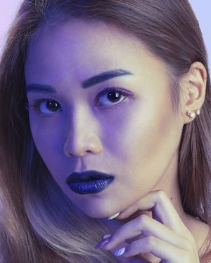 New blogpost is up! Hop on over to shaynefloreswong.com or just click the link in my bio! .  Shot & Edited by @sufisufyan_  Make Up by me (BTS on my yt channel!) .  #photoshoot #bluelip #blogpost #BTS #makeup #review #tarte #unicornbrushes #unicorn #chinaphilidoll #youtube #clozette #byTerry @dolltheunicorn @tartecosmetics @byterryofficial