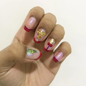 December is definitely here!  #clozette #clozettteco #instanails #naildesigns #nailart #nailswag #nailsofinstagram #nailslover #nailgram #nails #nailartclub #nailstagram #notd #christmasnails