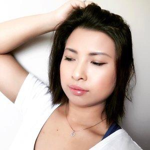 And that is a wrap! 👋🏻👣#clozette #clozetteco #makeup #beauty #instamakeup #instabeauty #sgmakeup #sgbeauty #sgigmakeup #sgigbeauty #trendypolish  #instablogger #ibeautydaily #beauty_ba #perfectmakeupworld #crimesofbeauty #makeuprevue #motd #makeupoftheday #fotd #faceoftheday #lotd #lookoftheday #dailyig