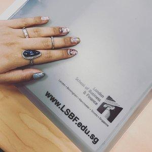 Last day before the Cny break!! #clozette #clozettteco #instanails #naildesigns #nailart #nailswag #nailsofinstagram #nailslover #nailgram #nails #nailartclub #nailstagram #notd