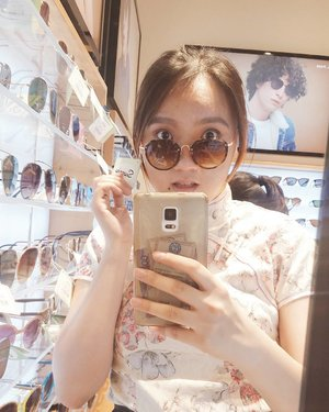 wore my cheongam on a casual errands day, because why not?? #StephInStyle *note to self: get a cute phone case for better mirror selfies in the future lol