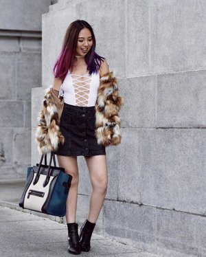 Never a dull day with @revolve, especially when there's a collaboration with @tularosalabel. Shop the Averly Faux Fur Coat using the link in my bio ⬆️ | 📷: @lydiatrj #revolveme #tularosa #forevertula