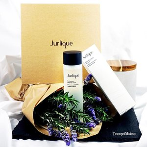Introducing Jurlique's New Activating Water Essence. Available at stores on 3 July 2016 🌱 I was in awe when I opened the box for this PR kit. If ever there was one that made me feel so touched I cried, it was this. Thank you @jurliqueaus and Taylia of @invisiblethreadpr every element was so well thought through. 🌱 This new product is a highly concentrated essence, it is the essential step in every skin care ritual, and for every skin types, its main active ingredient, biodynamic† Marshmallow Root extract, deeply hydrates your skin while improving its ability to retain moisture. Available at counters this weekend. Blog review (and more posts) to come. . . . . . . . . . . . . #makeup #photographer #style #luxury #motd #ausbeautyblogger #jurlique #naturalskincare #sensitiveskin #gentleskincare #wateractivatingessence #thelushlife #visualsoflife #thingsilike #marshmallow #goodskin #powerofnature