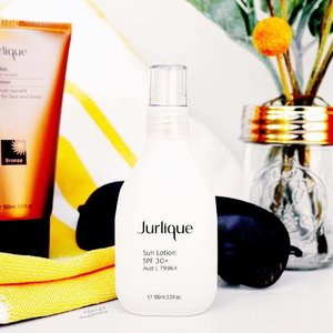 """☀️ Here Comes The Sun ☀️🎶Lah Lah Lah🎶 Be it Summer or Winter, @jurliqueaus has me covered with their Broad Spectrum Sun Lotion SPF 30+. It's lightweight, non-greasy, moisturising and packed with antioxidants (sun protection and skin treatment at the same time?! Hurray!). Plus it smells lovely. Like fresh cut oranges. Delish! 对于防晒产品,我使用 Jurlique 的 """"Sun Lotion"""" 。 它不仅有SPF30,它还有抗氧化剂,以帮助我的皮肤!#Gifted with much thanks! 👉🏻 http://www.jurlique.com.au . . . . . . . #makeup #护肤品 #防晒产品 #美容产品 #photographer #jurlique #sunlotion #爱 #美丽 #luxurious #ausblogger #thescentofsummer #luxury #broadspectrum #flatlay #jurliquereview #mua  #girl #love #fashion #clozette #gorgeous #stylist  #productphotography #博主 #可爱 #化粧品 #可愛い"""