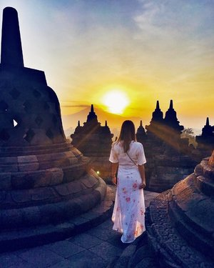 Taking it slow, one sunrise at a time! #yogyakarta #throwback #travel #travelwithCrystal