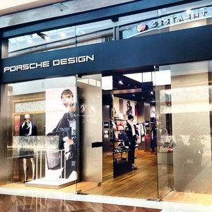 An amazing thing happened at this place, but my lips are sealed for now. A little hint would do the trick! 😷😜#guesswhat #comingsoon #ilovemyjob #sneakpeek @porschedesignofficial #ilovePorscheDesign #fashion #designer #porschedesign #clozette