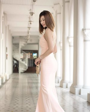 MummyC's #ootd as the wife.  To the world you are a mother. To your family you are the world. . #RADInsider #rentadress_sg #lecinlurveadv #LecinlurvexRentadress