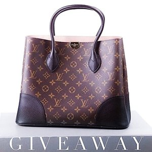 """‼️ INTERNATIONAL GIFTAWAY ‼️ FOLLOW---> @myclosetjourney ❤️ . . I've teamed up with @togsclothing and a few of my favorite bloggers to gift one lucky winner with this gorgeous Louis Vuitton bag!! 👜✨ . . TO PARTICIPATE:  1️⃣ FOLLOW ME 2️⃣ LIKE this photo 3️⃣ GO TO @myclosetjourney ♥️♥️♥️ 4️⃣ Repeat steps 1-3 until you have returned back here . . ⚠️ BONUS ENTRIES ⚠️ 👉🏼 For 1 bonus entry, like 3 photos and comment """"done"""" 👉🏼 For 5 bonus entries, purchase any amount of items on @togsclothing online website, www.shop-togs.com 🛍 Use discount code SWAGBAG for 20% off your purchase, and comment below with the name on your order. Only one purchase per entrant will be counted. . . You must follow all accounts in this loop for your entry to count. This giftaway will run from today, February 24th through Monday, February 27th at 5pm PST. The winner will be chosen at random and announced via caption on each picture in the loop within 24 hours of closing. . . We will verify everyone who entered followed all steps correctly. ACCOUNT MUST BE PUBLIC. This contest is in no way sponsored, administered, or associated with Instagram, Inc. or brand mentioned above. By entering, entrants confirm they are 14+ years of age, release Instagram of responsibility, and agree to Instagram's terms of use. GOOD LUCK! . . . #SgContest #SgGiveaway #Clozette #sblog #sblogger #fblog #fblogger #digitalinfluencer #styleblog #styleinspo #styleinspiration #instastyle #fashionblog #fashionfinds #instafashion #lovelysquares #pursuepretty #thatsdarling #trending #instahappy #flashesofdelight #bestofinsta #instagoodmyphoto #inspiration #2instagoodportraitlove #louisvuitton #louisvuittonbag #designerbag #handbaglover #luxelife"""