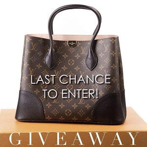 Have you entered to win a Louis Vuitton bag yet? See original post for giveaway details! ...#SgContest #SgGiveaway#Clozette #sblog #sblogger #fblog #fblogger #digitalinfluencer #styleblog #styleinspo #styleinspiration #instastyle #fashionblog #fashionfinds #instafashion #lovelysquares #pursuepretty #thatsdarling #trending #instahappy #flashesofdelight #bestofinsta #instagoodmyphoto #inspiration #2instagoodportraitlove #louisvuitton #louisvuittonbag #designerbag #handbaglover #luxelife