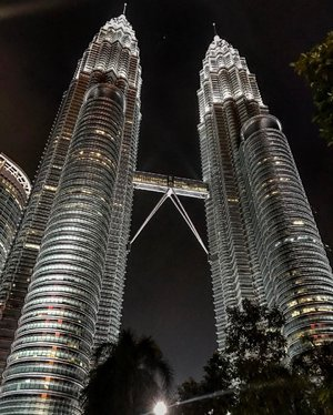 Beautiful! ❤ Taken using 📱  #throwback #petronastwintowers #kualalumpur #skyscraper