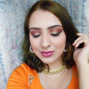 That pop of olive gold 👑 . . . .  #udsingapore #beautyjunkie #clozette #makeupaddict #makeupslaves #slave2beauty #makeupjunkie #makeupobsessed #allaboutface #makeupfanatic1 #beautyblogger #makeupgoals #hudabeauty #sgmakeup #makeupbloggers #sgbeauty #sgigbeauty #desi #wakeupandmakeup #sgmua #makeupmess #beautytalk #beautyful