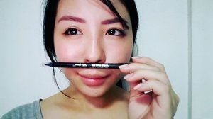 Playing with the @seatree_singapore Quick Styling Gel Pencil Liner🤗  I have been wearing it to work everyday and love to draw my lower eyelid. My eyes look bigger and energetic too😶😶 . . There is also a built in brush for you to draw an end of eye upward to create a more clear eyeline 👀  Thanks u #seatreeartsg 😚😚😚😚 #kelynnstory #clozette #sgbeautyblogger #sgbblogger #sgblogclub #sgbloggers #beautybloggers #instasg #bloggers #beauty #skincare #bbloggers #Instabeauty #beautyblogger #makeupblogger #beautyaddict #beautyguru #kelynnbeautycollection #seatreeart #gelliner #eyeliner