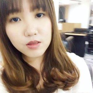 💇🏼 ok? My students can't recognise me in class. 👍🏻HairStylist: Kim #clozetter #clozette #styleblogger  #kbeauty #makeup #beautyblog #beautyreview #gwenwoomakeup #igsg #fotd #motd #selfie #selca #beautyblogger #haircut #hairdo #nerd