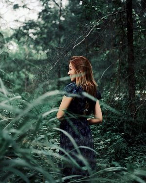 L U S H 🌿🍃🌱 | Let's escape to the woods and say yes to new adventures. . . . . #ootd #clozette #coordinatesoffrisbee #igers #igsg #sgblogger #fashionblogger 📷: @lensofmira