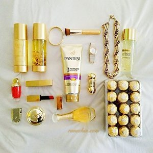 It's all about Gold today. 😍 . . From upper left corner to right and down: Linden Leaves Gold lotion and wash from tns skinlab. Golden bangles from FashionValet. Missha Professional Rounding Angle Foundation Brush. Gold Necklace from Forever 21. Bio-essence 24K Gold Water. Diorific Matte Fluid. SEP lipsticks. Pantene 3 minute miracle conditioner. Omega Constellation. Diorific Matte Splendor. Voyage d'Hermes EDT. Diorific Splendor Illuminating Pressed Powder. J'adore L'or EDP. Ferrero Rocher. . . #gold #flatlay #clozette #PanteneSquad #StrongisBeautiful #lindenleaves #diormy #Diorific #fashionvalet #misshamy #omega #hermes #bioessence #SEP #lipstick #ferrerorocher #jadore #forever21 #fashionista #Beautyblogger #picoftheday #instagram #perfume