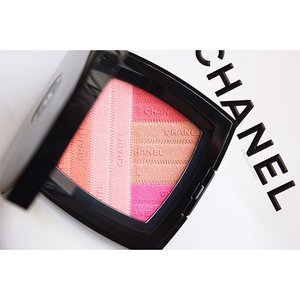 Second post of #2016, @chanelofficial Sunkiss Ribbon Blush Harmony. ⚠️ Extremely Pigmented!  #YeenBeaute #Instagram #Clozette #Makeup #f4f #l4l #blog #blogger #beauty #featured #Chanel #ChanelMalaysia #ChanelSunkissRibbon #Blush