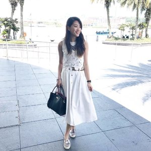 When your mind is clear, you can see your bright future. - - #clozette #ootd #ootdsg #katespade #katespadesg #asos #fashiondiaries #outfitoftheday #outfitinspiration #white #midiskirt #somethingborrowed #floral #zalorasg #zalora #wiwt #whatiwore #whowhatwear #outfits