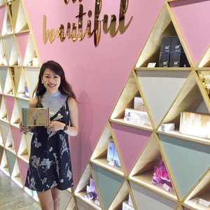 Had a fun night curating and decorating my beauty box at @byobshop, #Luxasia's first beauty pop-up store at @sunteccity #01-505! Head down to #BuildYourOwnBox with fragrance minis and more! You'll also be able to find beauty products from Luxasia for sale~ Let's #BYOB (Be Your Own Beautiful)! 💗#clozette #makeup