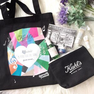 Laneway Festival may be over but do your part and give some support! This beautiful #Kiehls Limited Edition recyclable tote bag is designed by #ginettechittick and you can get yours too with purchase of any of the #KiehlsSG four moisturisers with SGD120 spend. All proceeds go to the Children's Cancer Foundation. #clozette #skincare