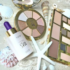 @Tartecosmetics has always been one of the go-to for me when it comes to palettes. I find myself bringing Tarte's palettes the most whenever I travel because I just love how everything can be packed in a compact case! The #TarteCosmetics Rainforest of the Sea collection got me at the eye shadow palette. 🌊  The collection is now available exclusively at #SephoraION before it officially launches in all @sephorasg stores and online! Will you be picking this up? Swipe for swatches!~ 🐚 - - - #clozette #ParadeofSwatches #tarte #RainforestoftheSea #radiancedrops #eyeshadow #eyeshadowpalette #swatchart #swatches #makeuptalk #makeupmess #makeuppicks #makeuplover #makeupjunkie #makeupaddict #beautyaddict #makeupobsessed  #beautyjunkie #wakeupandmakeup #igsg #igsgbeauty #beautybloggersg #slave2beauty #instabeauty #instadaily #trendmood