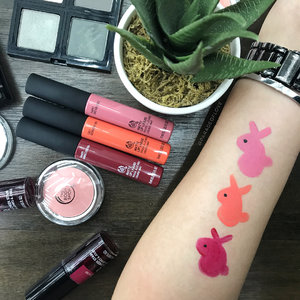 What distracted me tonight... The Matte Lip Liquid from @thebodyshopsg!!! 😍 Can't contain my excitement when I see more liquid matte lipsticks being launched. And of course, #TheBodyShop being #ForeverAgainstAnimalTesting, I had to swatch'em bunnies to remind everyone about it. 🐇🐇🐇 Swipe to discover the 3 shades! - - - #clozette #makeup #ParadeofSwatches #swatchart #liquidmatte #liquidlipstick #lipstickswatches #thebodyshopsg #mattelipstick #mattelips #makeuptalk #makeupflatlay #makeupoftheday #swatches #becreative