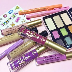 What's coming to @sephorasg this Fall 2016 from @toofaced:🌷 Sketch Markers - 12 shades of highly pigmented eyeliners🌷 Melted Matte Liquified Lipsticks🌷 Born This Way Concealer - 6 shades of high coverage concealer🌷 Totally Cute Eyeshadow Palette🌷 Lip Injection Glossy Juicy Color Plumping Lip Gloss Are you as excited as I am?! 🙆🏽💗 #Clozette #SephoraSG #SephoraPressDay #SephoraFall2016 #TooFacedSEA