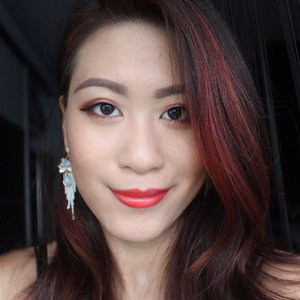 Feeling the heat? ♨️ Get scorched with the @urbandecaycosmetics Naked Heat Palette. Enough said, let the shades on my eyes do the talking. Full review up on the blog and swipe to discover how I used this palette! 🔥---#UDSingapore #clozette #makeup #makeuplife #makeuptalk #makeupoftheday #NAKEDpalette #GetNAKED #NAKEDlife #burnbabyburn #urbandecay #NAKEDHeat #nakedheatpalette #urbandecaycosmetics #lipstickismyvice #flatlay #makeupflatlay #lookoftheday #motd #makeuplook #burnbabyburn #nofilter