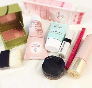 Some fast easy cosme for trip #benefitcosmetics blusher #nov #shiseido eye cream shadow & blusher stick