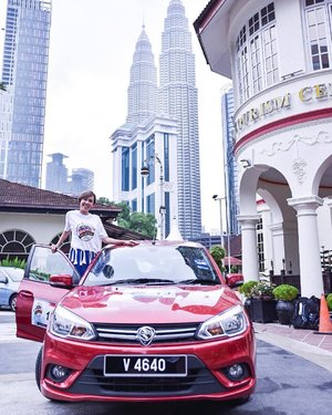 Excited to start the ASEAN Media Bloggers Tourism Hunt 2017!!! Driving to Ipoh later!! Looking forward!!! Team Singapore, go go go!! Let's make history repeat again!!! 📸 cr: @kwleong . #AirAsia #LiveLifeUnexpected #AirAsiaSantanCombo #ambth2017 #tmsingapore #liveliveunexpected #TourismHuntMY #TourismMalaysia #MalaysiaTrulyAsia