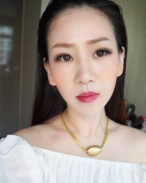 Yesterday's make for a full day of meetings.  Products used:  Face Clio Face kill cover-03  Brows Innisfree ultrafine browcara-Honeybrown Erabelle brown pencil-brown  Eyes The balm-Nude Bohktoh falsies Clio kill black Liner  Lens Decorative-honey brown  Cheek L'Oreal Lucent Magique Cushion Glow Blush-Sun kissed Coral Etude house lovey cookie blusher-05 apricot pudding  Lips Revlon ultra gel lip colour-760 HD vineyard  #dblchinfotd #dblchinmotd #clozette