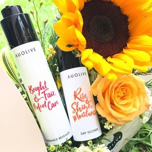 [NEW IN] So I brought these two along with me for my work trip to test them out & there were no regrets! Here are some facts & my initial impressions... 🌻Auolive is a local skincare brand, & they are Swiss-formulated... ✔️The brand was created to provide multipurpose beauty solutions to the modern women... ➡️Featuring the Day Glower, my personal favorite, a lightweight moisturizer with antioxidant properties, designed to block out environmental pollutants.. With Gingko Biloba Leaf Extract as their main ingredient, the moisturizer also includes anti-inflammatory & defensive properties to strengthen the skin & boost collagen formation.... ✳️I used this alone (without serum after cleansing) during my trip & my skin felt well hydrated! It was great that I saved so much time in the morning to catch up on precious sleep with this multi tasker.. ➡️The Radiance Revealer is a water-based exfoliator gel, used after cleansing to reveal brighter & clearer skin.... ✳️I used this once & my skin instantly felt more refreshed & more radiant. & Of course, with regular exfoliation, you can bring out that nice glowly skin.. With pomegranate extract as their key ingredient, it provides a rich source of Vit C & protects the skin against the harmful UVA & UVB damages.. 💕& I really appreciate their travel friendly (the pump is retractable - when not in used, top of bottle of flat) & airless pump bottles, making application SO easy (Yay to no more spillage & zero risk of contamination!).. 🌼Available at selected @Naiise stores at Katong i12, Orchard Gateway & Westgate.. Also do check their website at Auolive.com.. 🍃Thank you @theprpeople for the lovely presskit! #clozette...